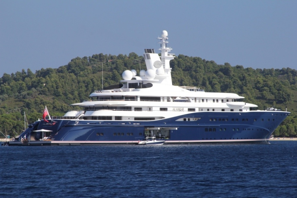 Mega-Yacht Al Mirqab (2/6)