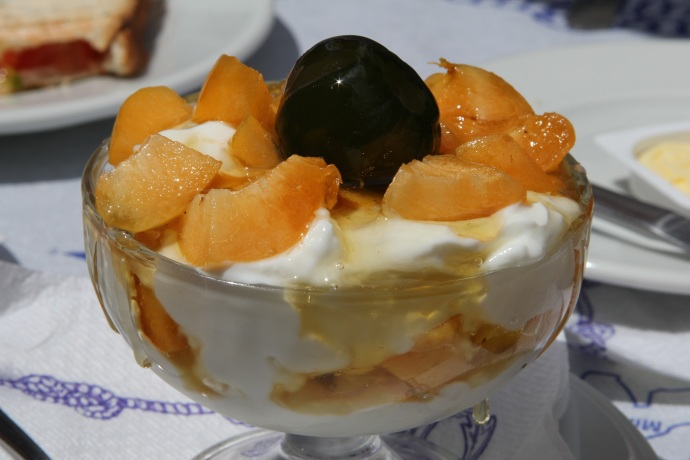 Yogurt and honey with fruit and fig