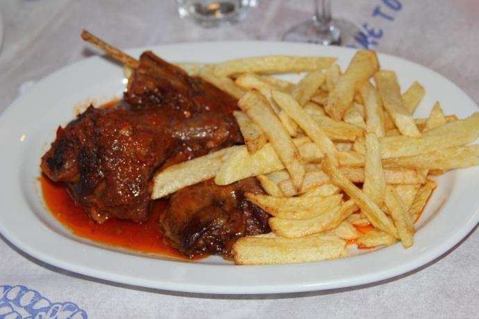 Lamb in tomato sauce