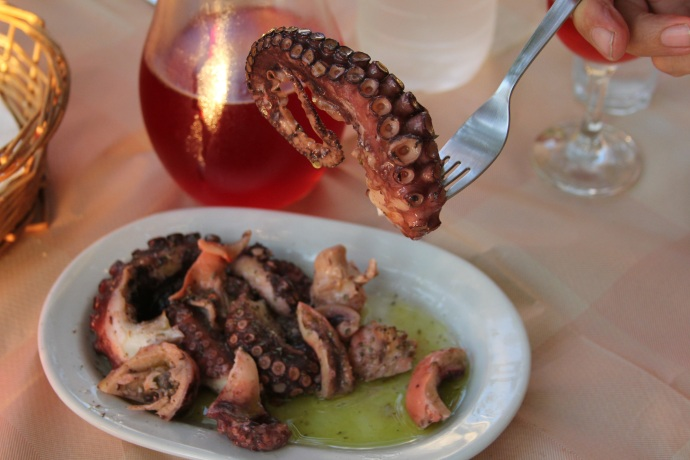 Octopus salad in oil