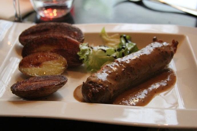 Andouillette (sausage) de Troyes å la moutarde
