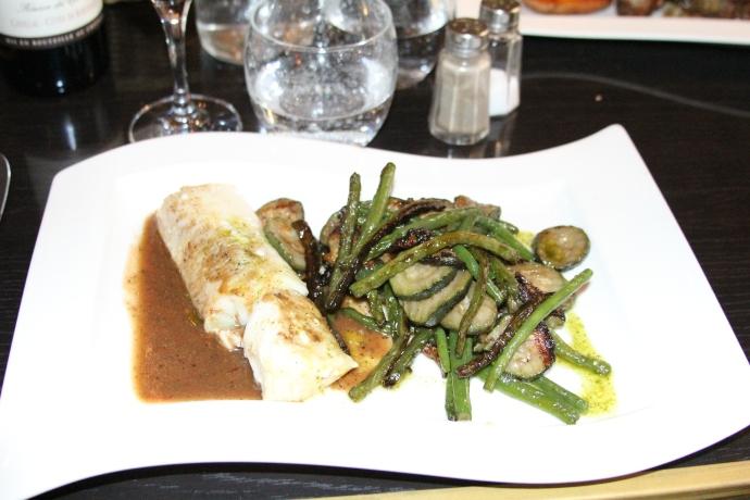 Dos de Cabillavel aux petits légumes (fish)