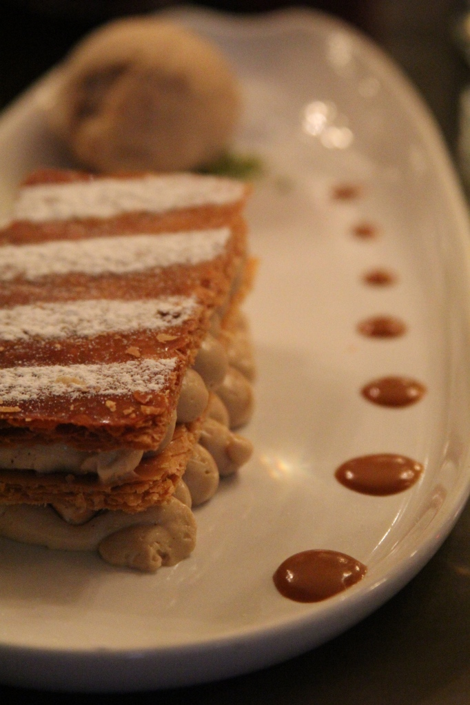 "Millefeuille ""minute"" praline and caramelised hazelnuts"
