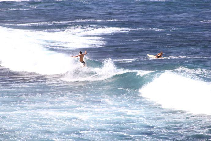 Ho'okipa surfer
