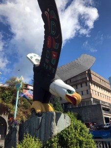 "Bald eagle statue ""Thundering Wings"" by Nathan Jackson"